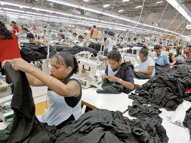 Los artículos de vestuario y textil fueron los principales productos que Guatemala exportó en el 2018 y el mayor generador de divisas. (Foto Prensa Libre: Hemeroteca)