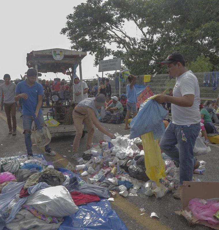 El objetivo es prevenir la acumulación de desechos en las calles de Tecún Umán y evitar enfermedades. (Foto Prensa Libre: Rolando Miranda).