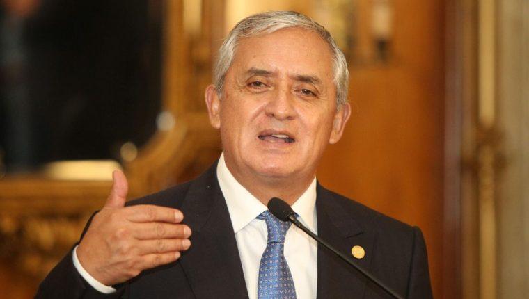 Pérez Molina reconoció que el país atraviesa un momento de crisis tras los escándalos de corrupción donde sale implicado. (Foto Prensa Libre: E. García)