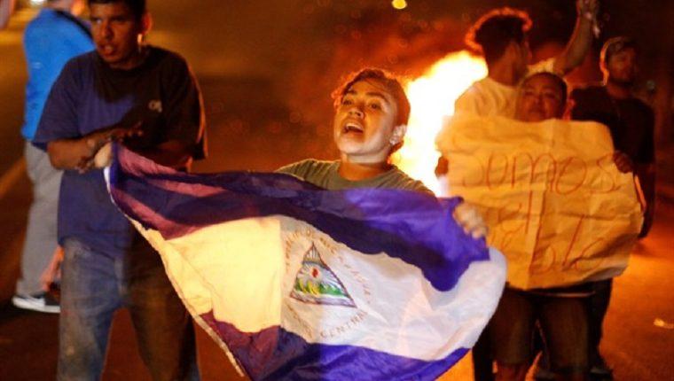Los disturbios de anoche en Nicaragua, dejaron al menos un muerto. (Foto Prensa Libre: EFE/Archivo)