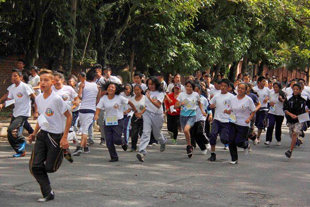 Celebran la quinta edición de la Carrera de la Juventud