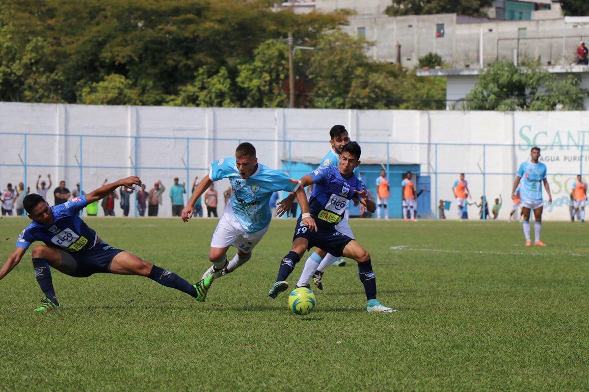 Suchitepéquez debutó con derrota en el Clausura 2018, en su visita a Sanarate. (Foto Prensa Libre: Hugo Oliva)