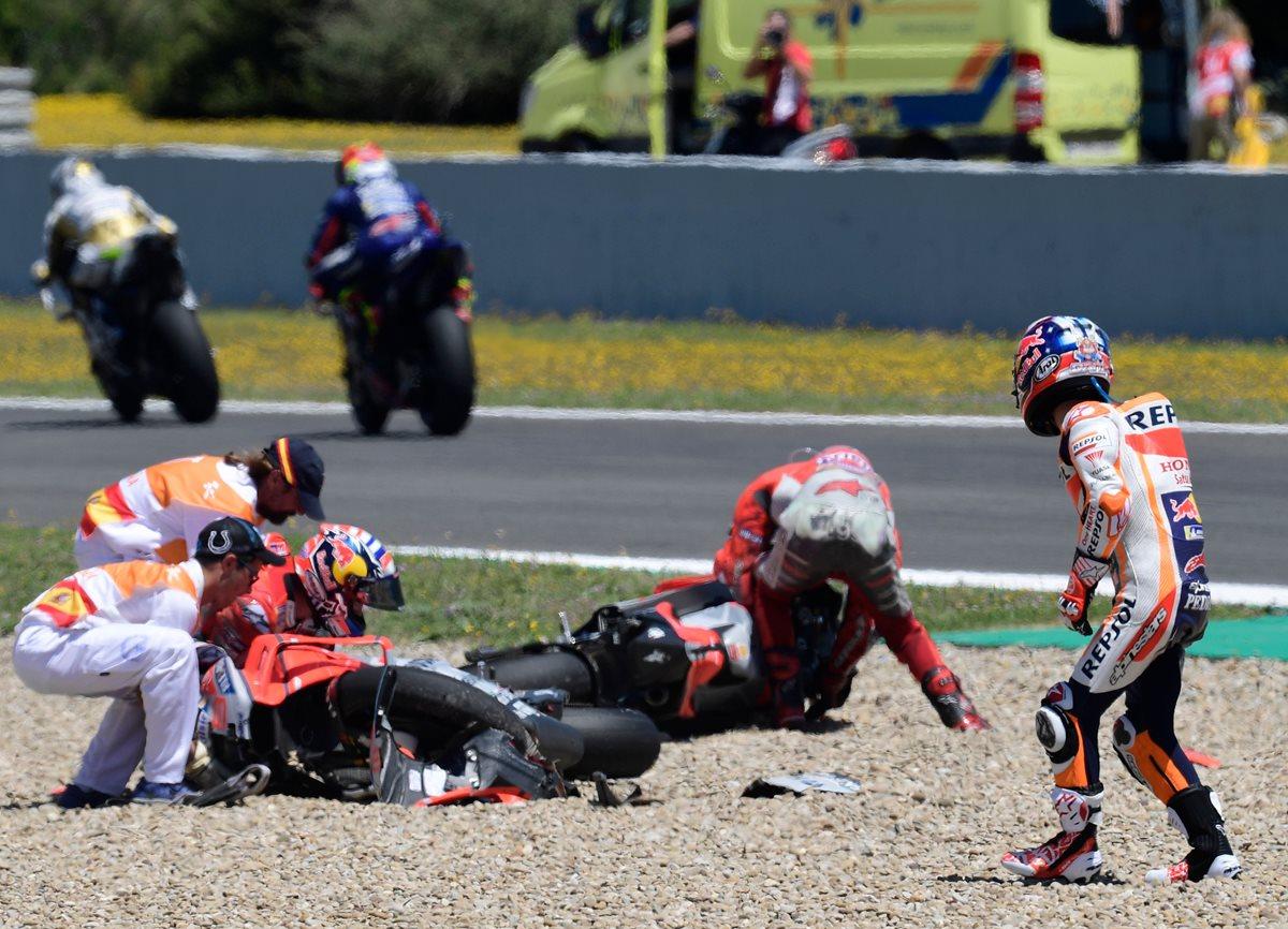Fuerte choque en el GP de España en el que Márquez demostró su superioridad