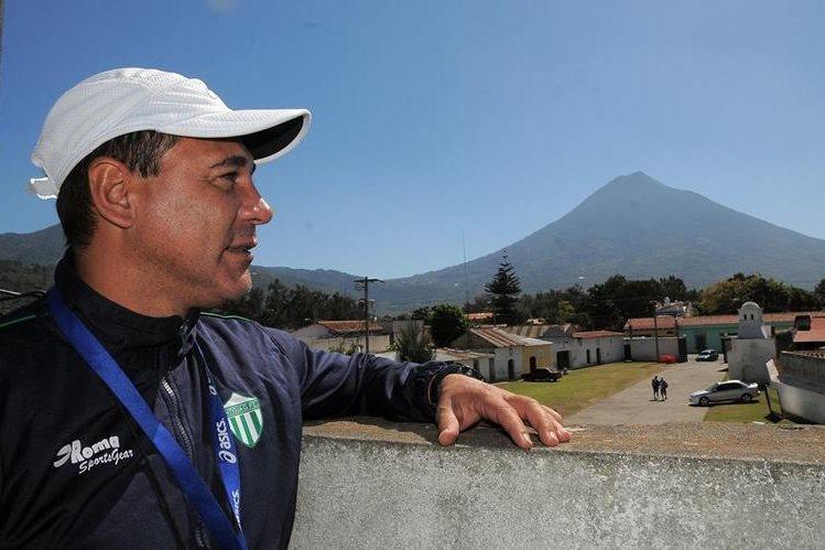 Mauricio Tapia se ganó el cariño por pueblo antigüeño. (Foto Prensa Libre: Hemeorteca PL)