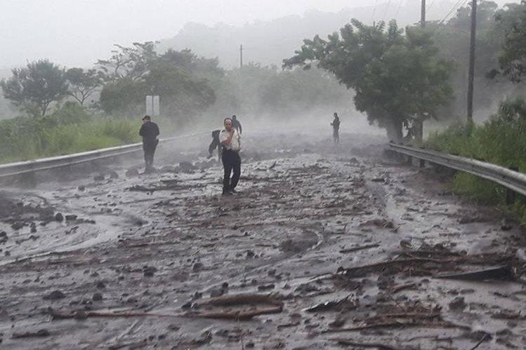 Habilitan RN14 dos meses después de la tragedia por la erupción del Volcán de Fuego