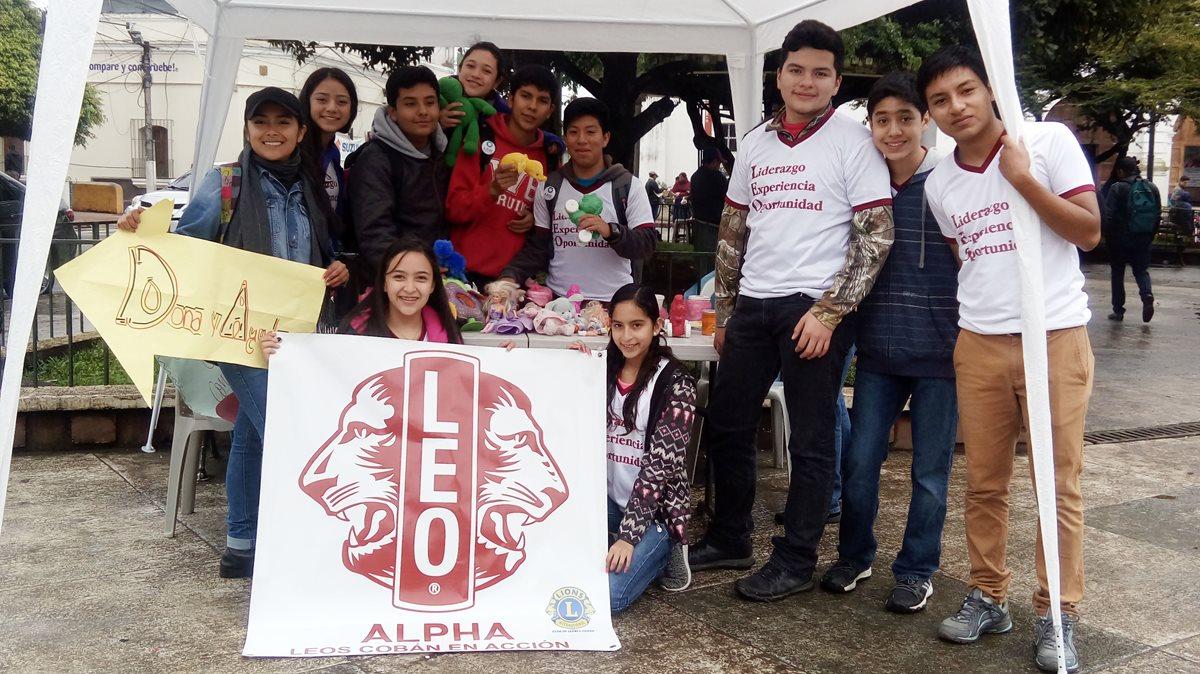 Grupos altruistas se unen para que los niños reciban juguetes en Navidad