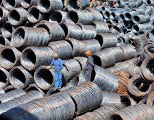 Decisión de Trump sobre aranceles al acero y aluminio causan preocupación a escala mundial. (Foto Prensa Libre: EFE)