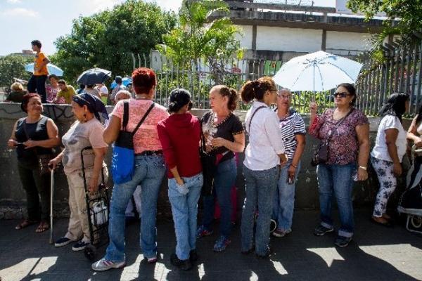 El sector patronal de Venezuela pidió este domingo a Nicolás Maduro que supervise las empresas expropiadas. (FOTO PRENSA LIBRE: EFE)