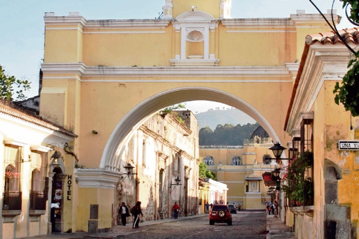La calle  del Arco, Antigua Guatemala, es uno de los lugares que prefieren turistas.
