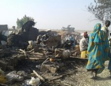 Mueren al menos 90 personas por bombardeo en Nigeria. (Foto Prensa Libre: AFP)