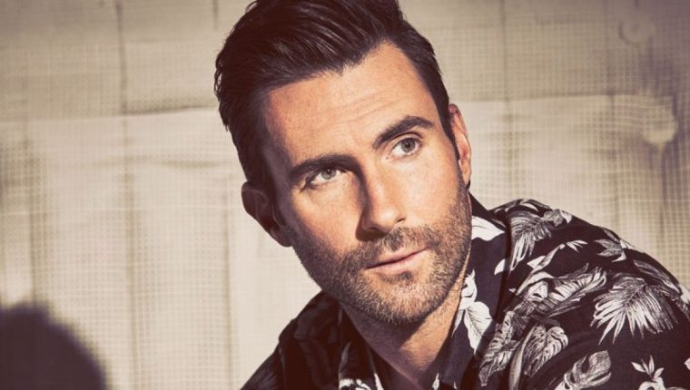 Adam Levine escantante, compositor, guitarrista y actor estadounidense, conocido por ser el líder y vocalista de la banda Maroon 5. (Foto Prensa Libre: Radio Venus).