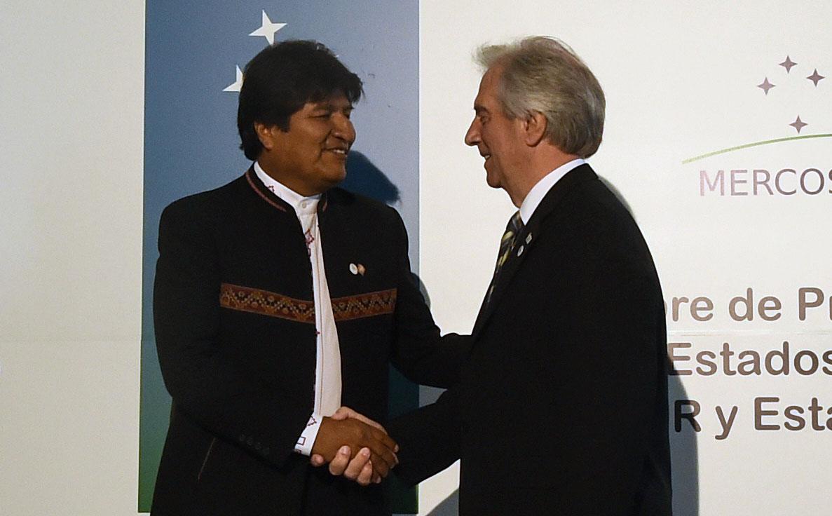 Evo Morales quiere que Bolivia se sume a la candidatura de Argentina, Paraguay y Uruguay para el Mundial 2030. (Foto Prensa Libre: AFP)