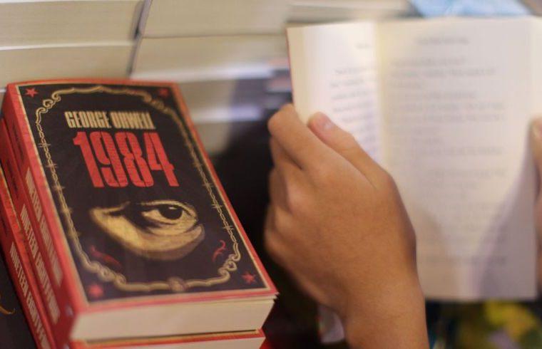 Los pedidos del libro de Orwell aumentaron un 9.500% desde el inicio de la presidencia de Trump, según la editorial Penguin. AFP