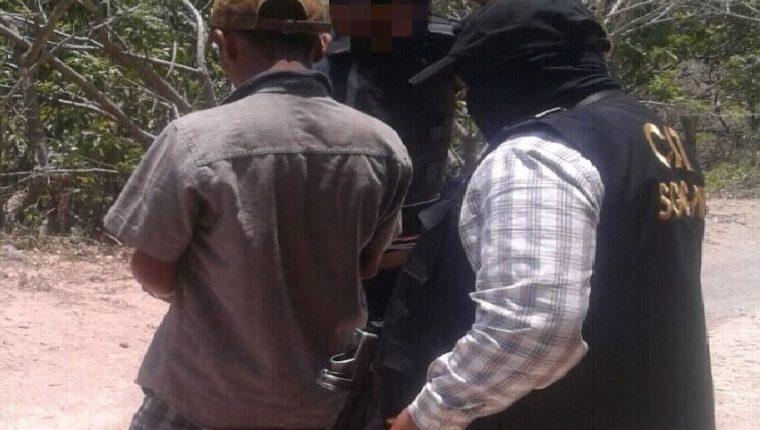 El sospechoso fue arrestado en Agua Tibia, Talpetata, Zapotitlán, Jutiapa. (Foto Prensa Libre: Cortesía PNC)