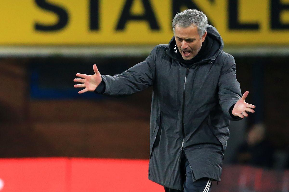 Mourinho, confiado en la llegada de Alexis Sánchez al Manchester United