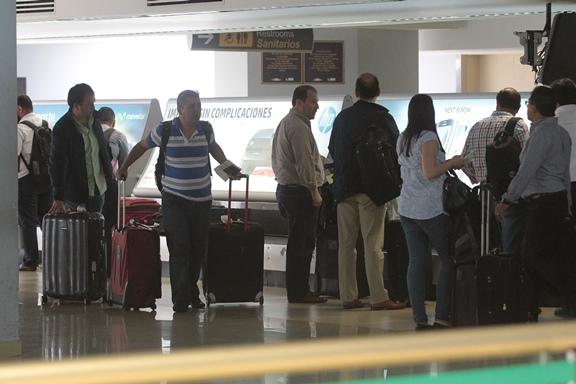 Según el convenio, las personas que ingresen o salgan del país deben pagar US$15 -unos Q115-. (Foto Prensa Libre: Hemeroteca PL)