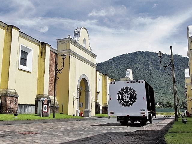Nueve bodegas albergan más de 10 mil barricas cada una, y a esto se debe la ampliación e inversión en los últimos tres años. (Foto Prensa Libre: Juan Carlos Rivera)