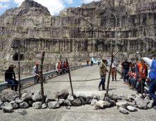 Pobladores de La Campana, Chicamán, Quiché, mantienen ocupadas las instalaciones de la bocatoma de la Hidroeléctrica Chixoy. (Foto, Prensa Libre: Eduardo Sam Chun).