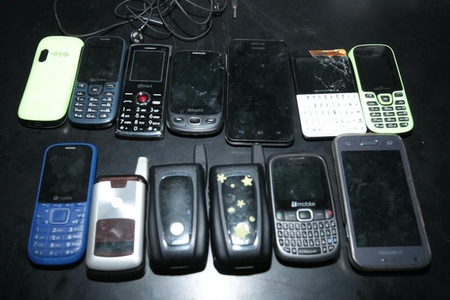 Autoridades recomiendan siempre realizar la denuncia por robo de un celular. (Foto Prensa Libre: Hemeroteca PL)