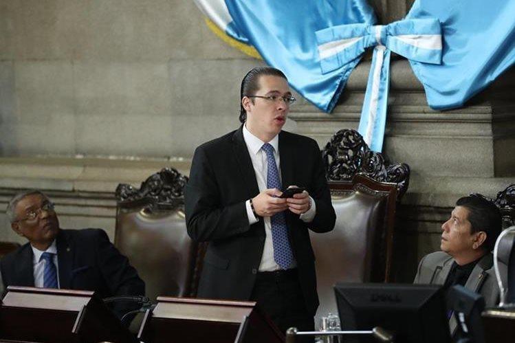 Felipe Alejos debe presentarse ante su juez pesquisidor el próximo viernes, en caso contrario, podría ser conducido por la policía. (Foto Prensa Libre: Hemeroteca PL)