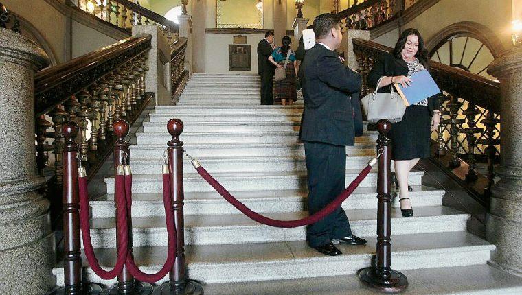 El ingreso fue restringido al salón donde estaba Baldetti ( Foto Prensa Libre: Álvaro Interiano)