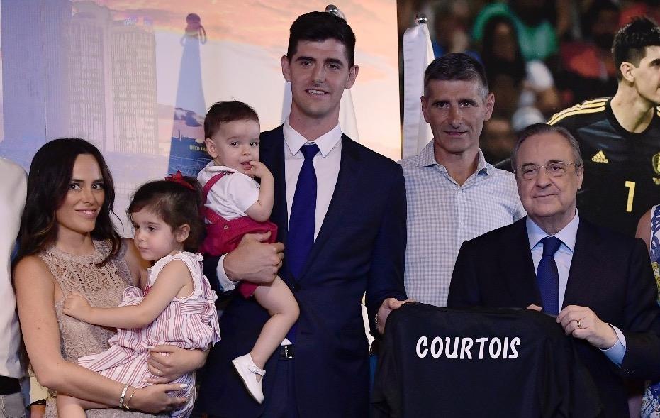 Courtois quiere ser feliz en Madrid junto a su familia. (Foto Prensa Libre: AFP)