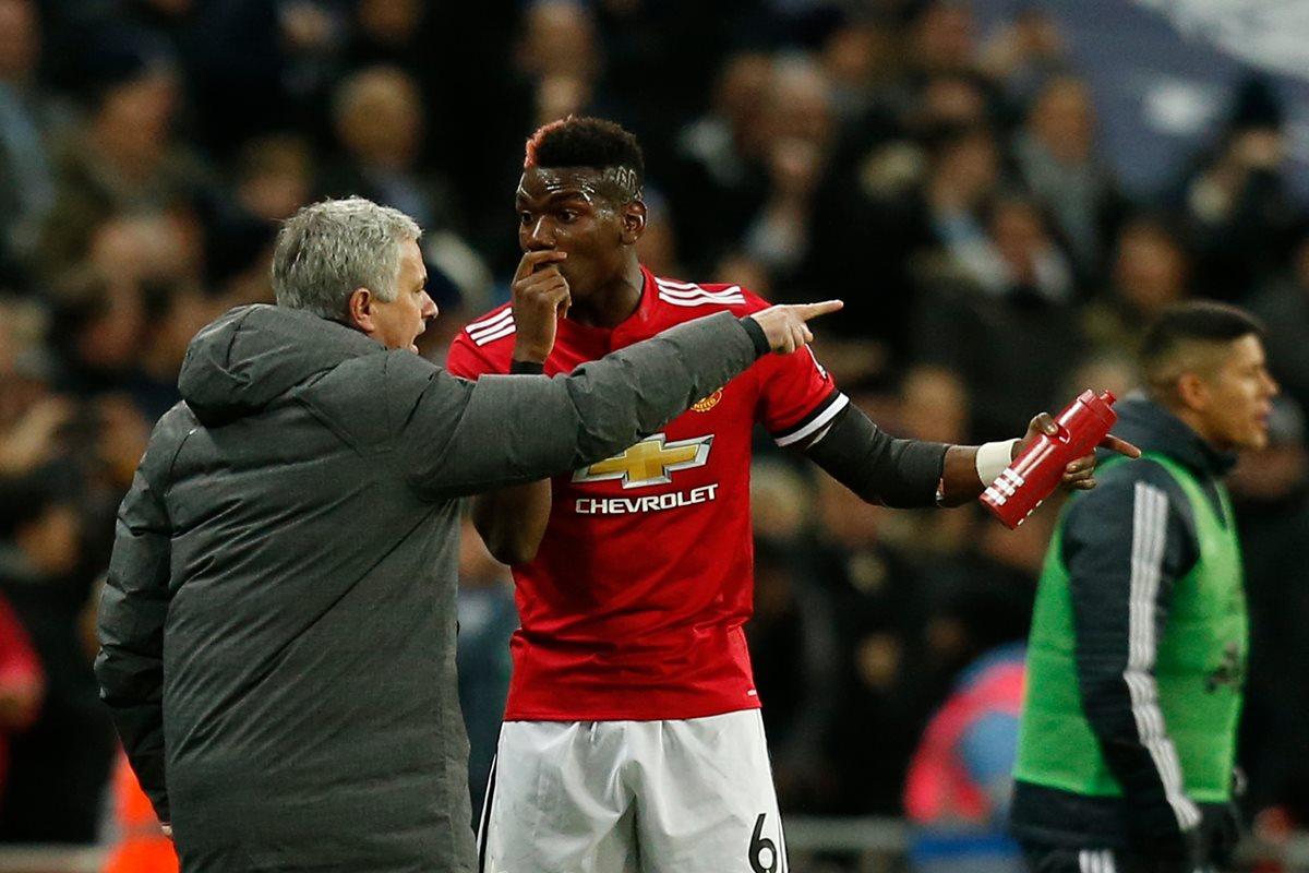 Pogba y Mourinho han tenido constantes peleas en el Manchester United. (Foto Prensa Libre: AFP)