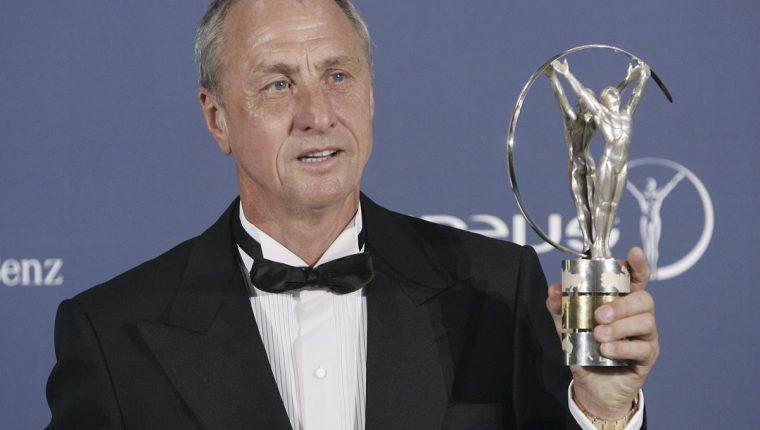 Johan Cruyff será homenajeado por el Ajax al nombrar el estadio con su nombre. (Foto Prensa Libre: AP)