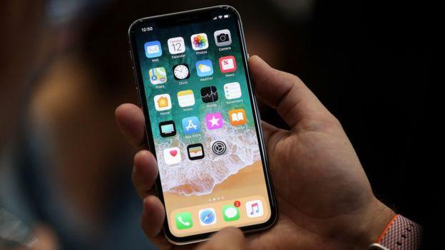 El avance de la telefonía móvil también tiene que ver con la Ley de Moore. GETTY IMAGES
