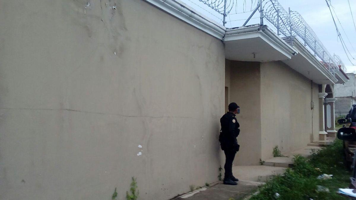 Allanamientos en busca de sospechosos de narcotráfico. (Foto Prensa Libre: MP)