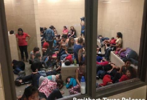 Los centros de detención temporal en Texas y Arizona están hacinados. Niñas y niños son amontonados en cuartos reducidos y duermen en el piso. (Foto Prensa Libre: ARCHIVO)