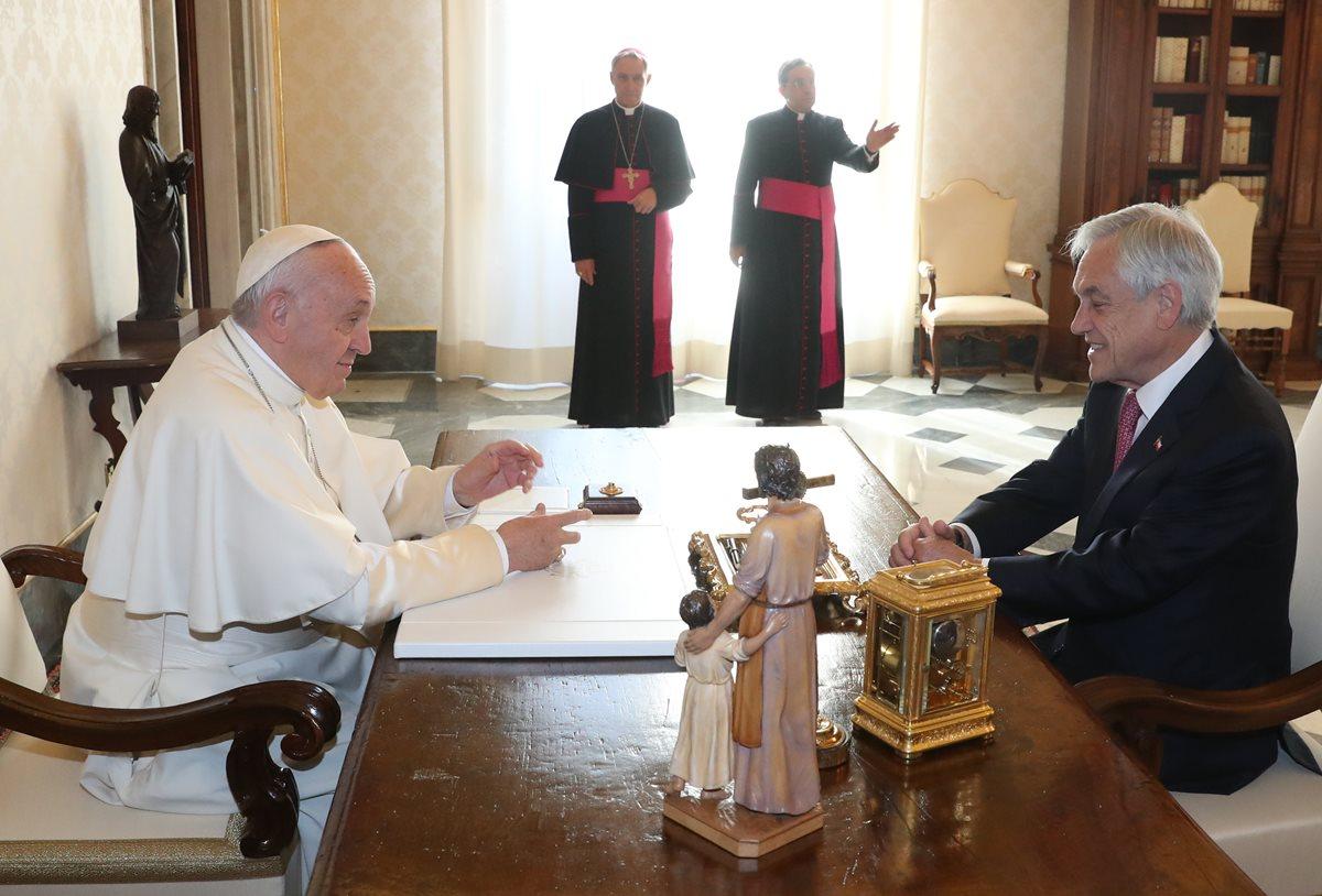 Las expulsiones fueron informadas hoy por el Vaticano, día en que el papa recibió al presidente de Chile, Sebastián Piñera. (Foto Prensa Libre: AFP)