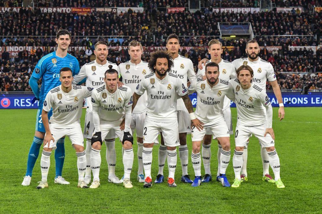El once del Real Madrid en el partido contra la Roma. (Foto Prensa Libre: AFP).
