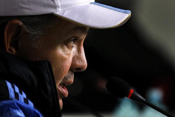 el técnico Alejandro Sabella aceptó que sus dirigidos tienen que mejorar en varios aspectos.