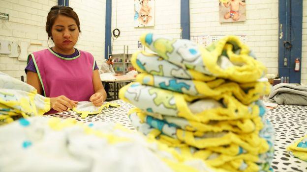 Con 25 empleados, Ecopipo produce suficientes pañales para la demanda nacional y de otros países.