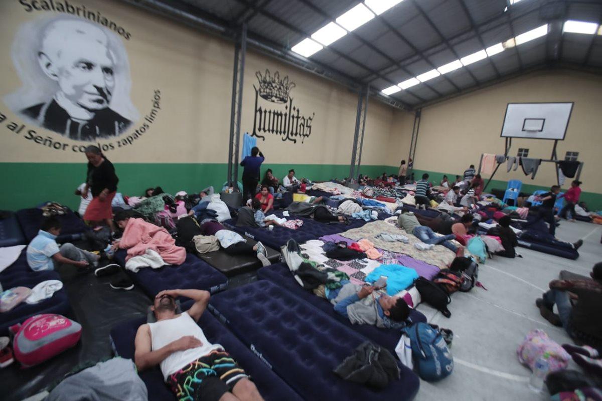 Migrantes hondureños comienzan a llegar a la capital