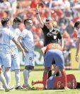 Los árbitros no han tenido la capacitación necesaria en la actualidad. (Foto Prensa Libre: Hemeroteca PL)