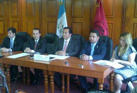 El Cang insta al Congreso a consultar la fecha en que deberá dejar el cargo la Fiscal General. (Foto Prensa Libre: Byron Vásquez)