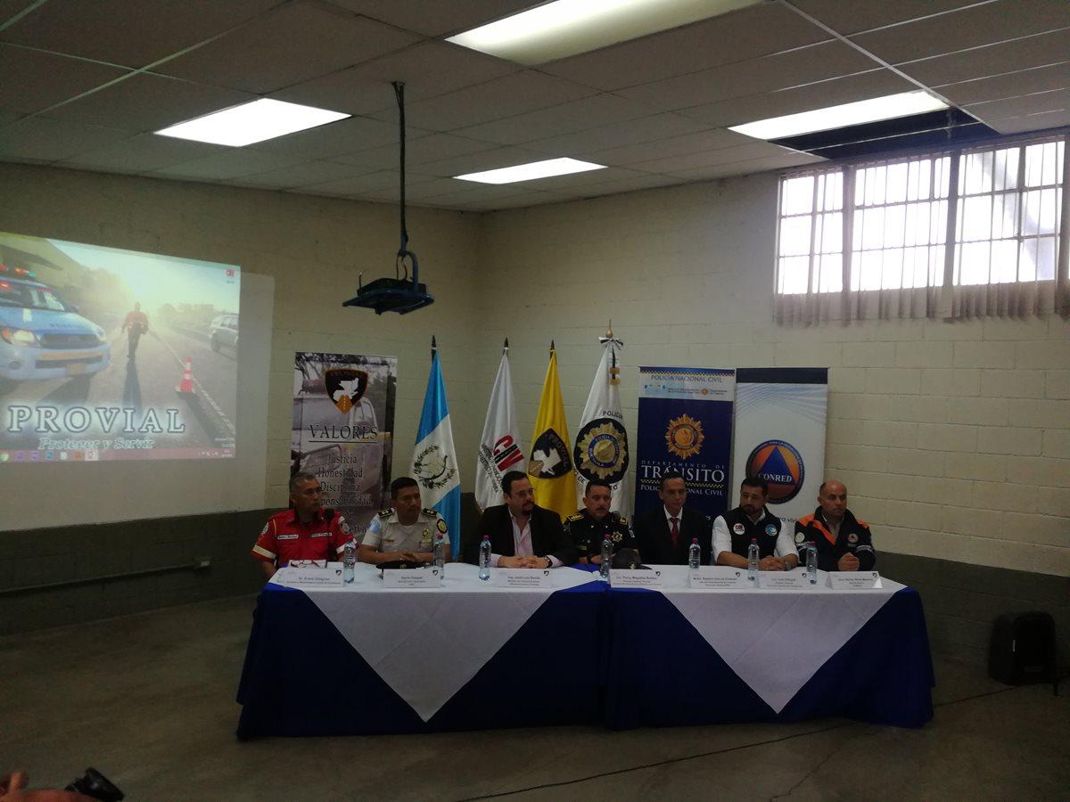 Delegados de Provial, PMT, Departamento de Tránsito y Dirección General de Transporte presentaron el plan de prevención de fin de año 2018.(Prensa Libre: José Patzán)