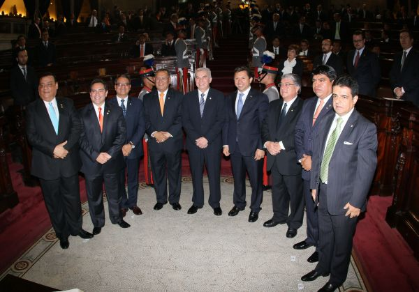 Junta Directiva del Congreso 2015-2016, presidida por Luis Rabbé. (Foto Prensa Libre: Congreso)