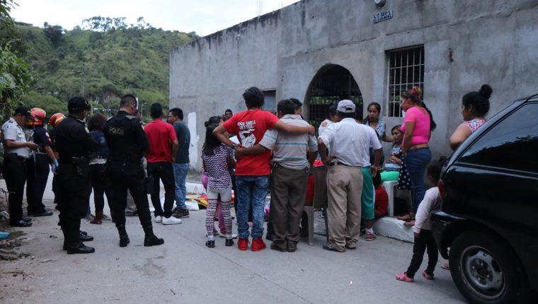 El ataque a balazos sucedió en la colonia El Carmen 2, en la zona 6. (Foto Prensa Libre: CBM)