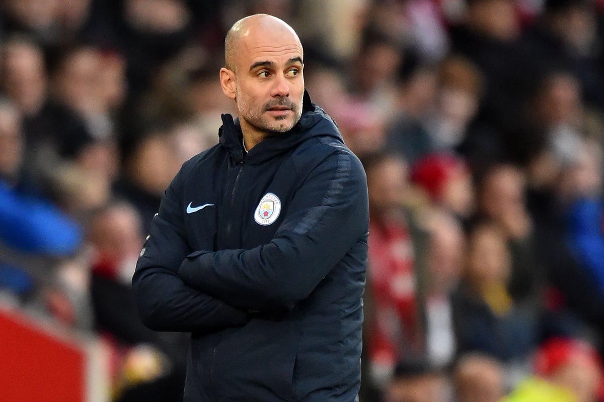 Pep Guardiola, técnico del Manchester City se quitó la presión al indicar que el Liverpool es el mejor equipo de Europa. (Foto Prensa Libre: AFP).