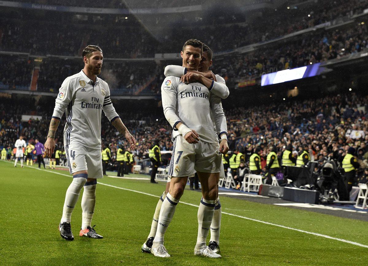 El delantero del Real Madrid, Cristiano Ronaldo, es uno de los mejores pagados del planeta. (foto Prensa Libre: AFP)