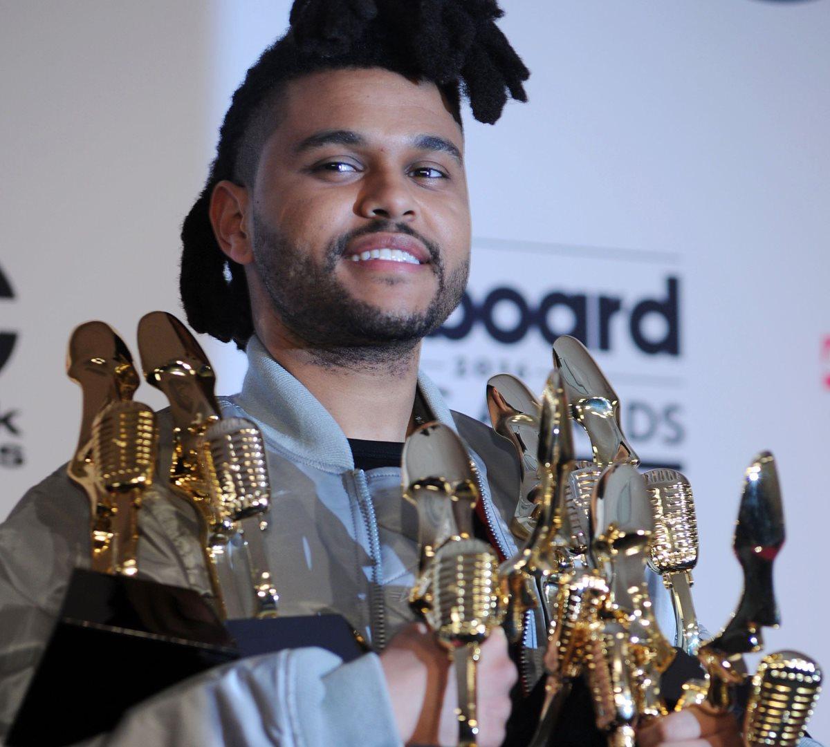 The Weeknd arrasa en los Premios Billboard
