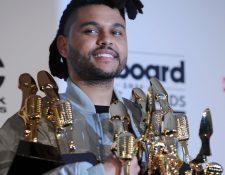 El cantante y productor canadiense The Weeknd fue el máximo ganador de la velada de los Premios Billboard. (Foto Prensa Libre, AFP)