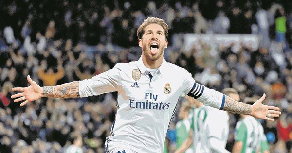 Sergio Ramos mantiene el cariño de la afición y fue el jugador que más votos obtuvo en la elección del once del año de la Uefa. (Foto Prensa Libre: Hemeroteca PL)
