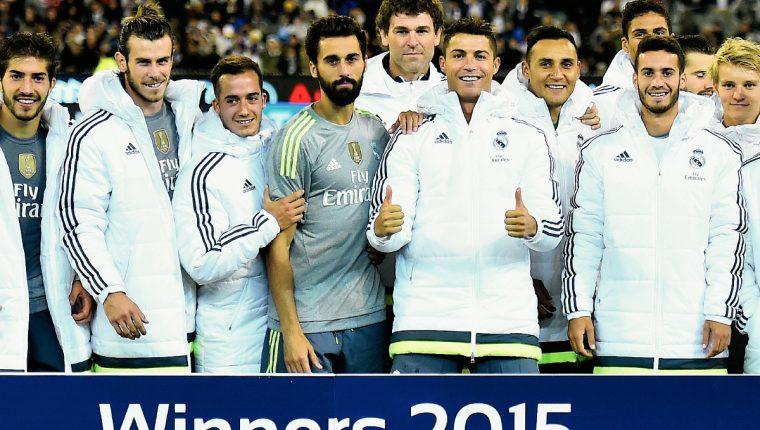 Los jugadores del Real Madrid festejan tras ganar el trofeo de la  International Championship Cup soccer f16d0d3f130c0
