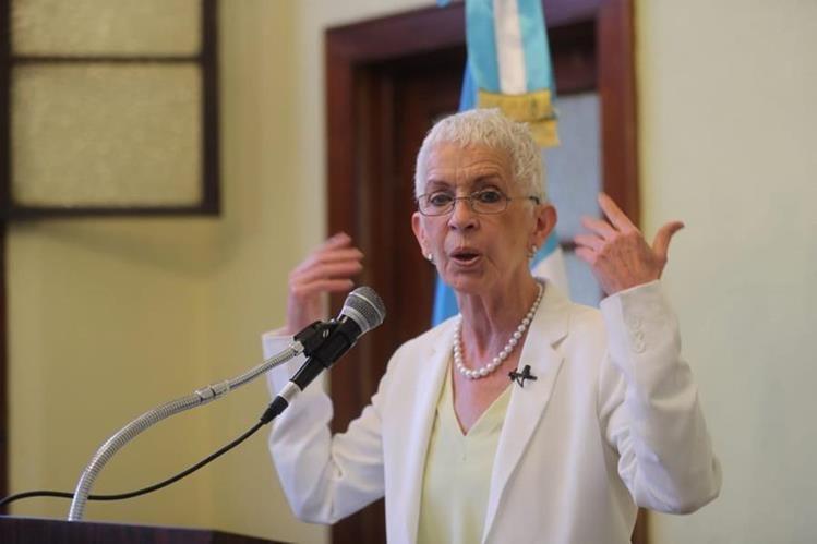 Adela de Torrebiarte dirigió la Comisión Nacional de la Reforma Policial desde el 2012 al 2018, cuando renunció por falta de apoyo de las nuevas autoridades de Gobernación. (Foto HemerotecaPL)