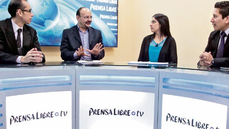 Manfredo Marroquín y Andrea Morales (centro) conversan en Decisión Libre.