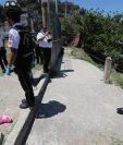 Dos adolescentes murieron a balazos este martes en la colonia El Limón, zona 18 de la capital, en un ataque armado perpetrado aparentemente por un pandillero rival. (Foto Prensa Libre: Érick Ávila)